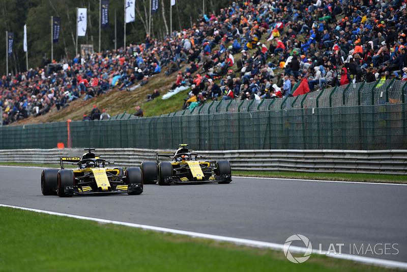 Nico Hulkenberg, Renault Sport F1 Team R.S. 18 And Carlos Sainz Jr., Renault Sport F1 Team R.S. 18