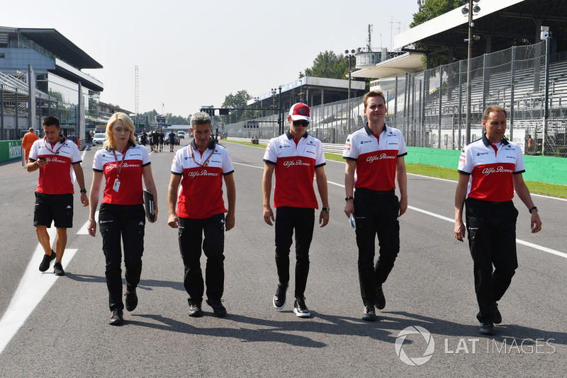 Charles Leclerc, Alfa Romeo Sauber F1 Team walks the track with Xevi Pujolar, Alfa Romeo Sauber F1 Team Head of Track Engineering and Ruth Buscombe, Alfa Romeo Sauber F1 Team Race Strategist