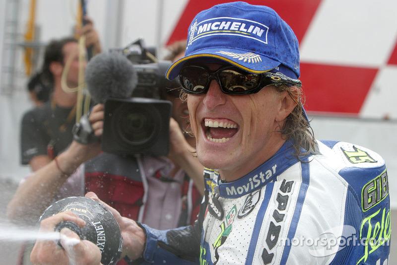 Podio: ganador de la carrera Sete Gibernau, Honda