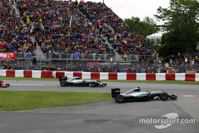 Ніко Росберг, Mercedes AMG F1 W07 Hybrid широкий вхід на початку гонки