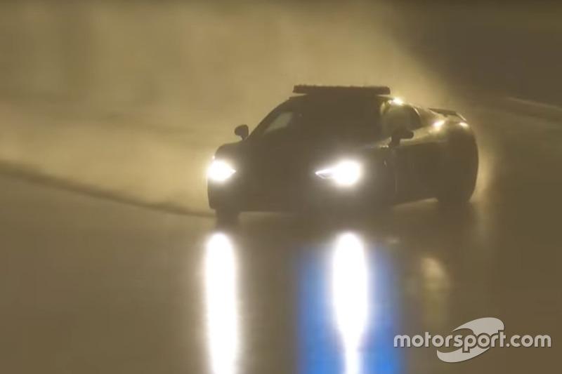 24h Le Mans: Yannick Dalmas' Drift im Safety-Car bei Regen