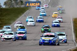 Inicio: Fabricio Larratea, Hyundai Mobil lidera el gurpo