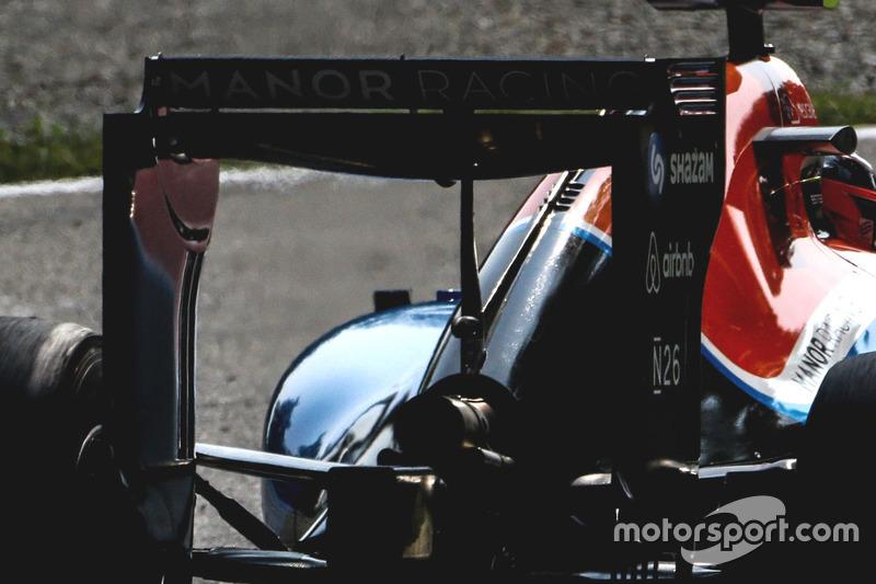 Manor Racing MRT05, Rear wing