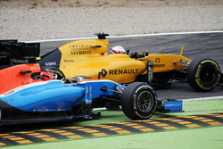 Кевін Магнуссен, Renault Sport F1 Team RS16, Естебан Окон, Manor Racing MRT05