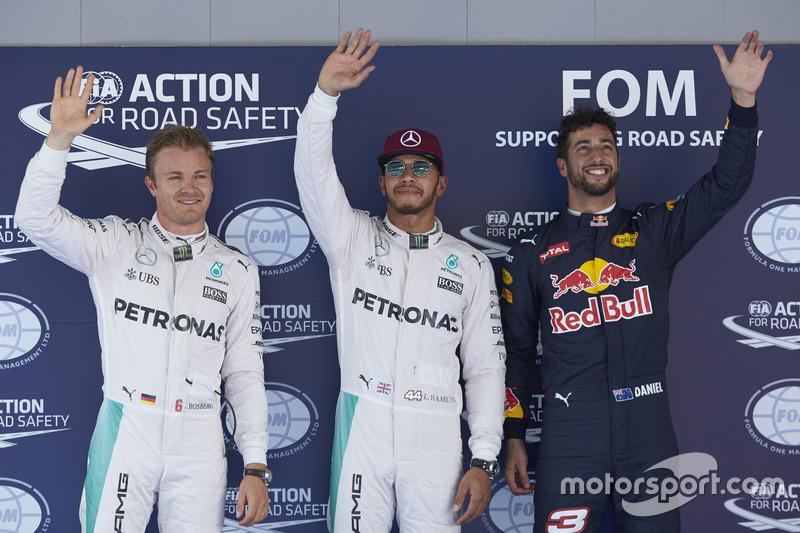 Polesitter Lewis Hamilton, 2. Nico Rosberg, 3. Daniel Ricciardo