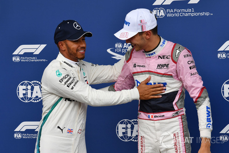 Lewis Hamilton, Mercedes AMG F1 y Esteban Ocon, Racing Point Force India F1 Team