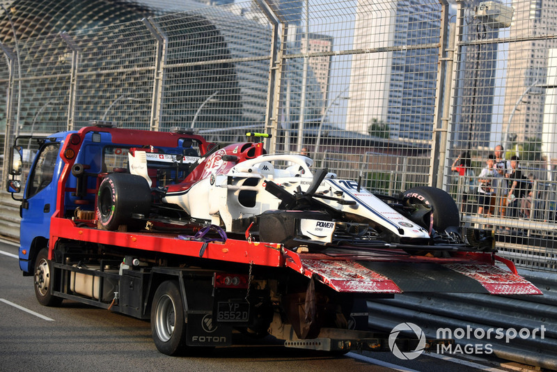 The crashed car of Charles Leclerc, Sauber C37 is recovered in FP1