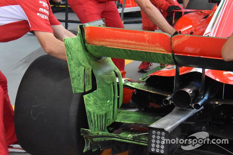 Detalle técnico del alerón trasero Ferrari con parafina