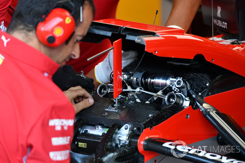 Ferrari SF71H detalle de la suspensión delantera