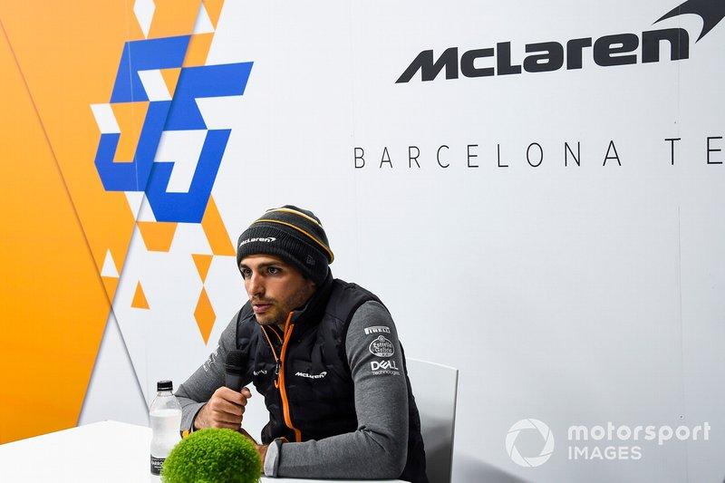 Carlos Sainz Jr., McLaren, tiene una conferenza stampa