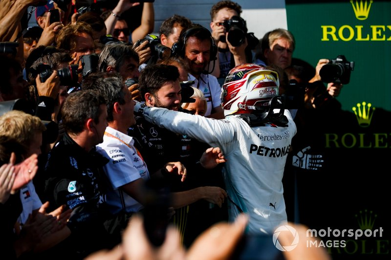 Lewis Hamilton, Mercedes AMG F1, 1st position, celebrates victory with his team in Parc Ferme