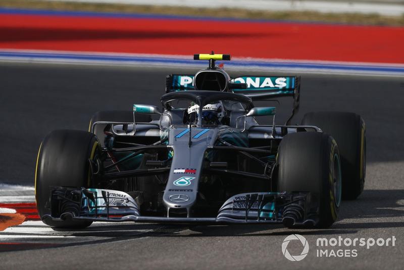 Боттас с надеждой спрашивает, в каком порядке Mercedes будет финишировать. И получает неутешительный ответ