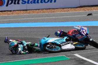 Enea Bastianini, Leopard Racing nd Marco Bezzecchi, Prustel GP crashing