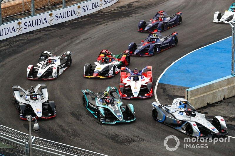 Edoardo Mortara, Venturi Formula E, Venturi VFE05 Nelson Piquet Jr., Panasonic Jaguar Racing, Jaguar I-Type 3, Oliver Rowland, Nissan e.Dams, Nissan IMO1 at the start