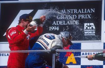 Podio: il vincitore della gara Nigel Mansell, Williams, Gerhard Berger, Ferrari