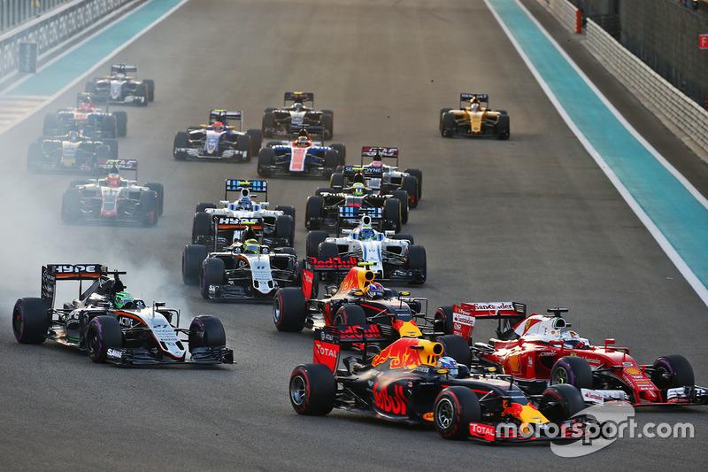 Nico Hulkenberg, Sahara Force India F1 VJM09 y Max Verstappen, Red Bull Racing RB12