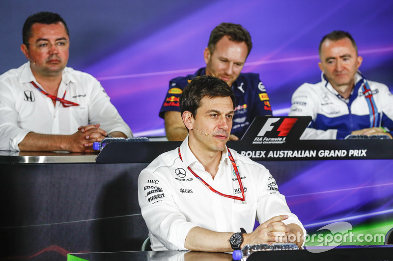 Eric Boullier, McLaren, Christian Horner, Red Bull Racing, Toto Wolff, Mercedes AMG, y Paddy Lowe, Williams