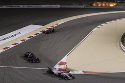 Sergio Perez, Force India VJM10, Daniil Kvyat, Scuderia Toro Rosso STR12, Romain Grosjean, Haas F1 Team VF-17