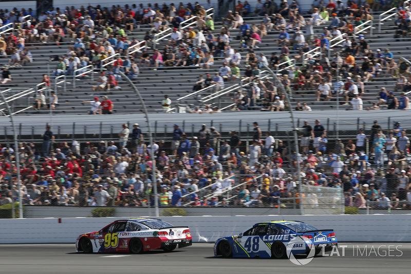 Michael McDowell, Leavine Family Racing Chevrolet, Jimmie Johnson, Hendrick Motorsports Chevrolet