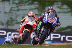 Маверик Виньялес, Yamaha Factory Racing, и Дани Педроса, Repsol Honda Team