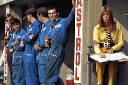 Marta mechanics and Jackie Stewart's wife Helen