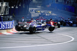 Crash at the start for the Monaco Grand Prix, 1995: David Coulthard, Williams-Renault, got squeezed between both Ferraris of Gerhard Berger and Jean Alesi