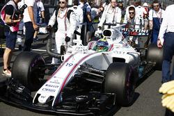 Felipe Massa, Williams FW40, arrives on the grid