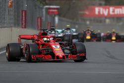 Sebastian Vettel, Ferrari SF71H ilk turda lider