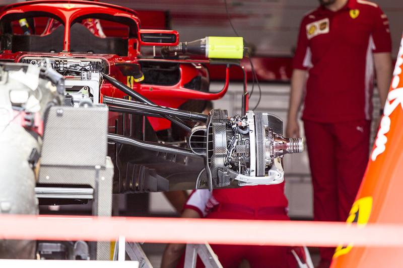 Freno delantero y llanta de la rueda del Ferrari SF71H