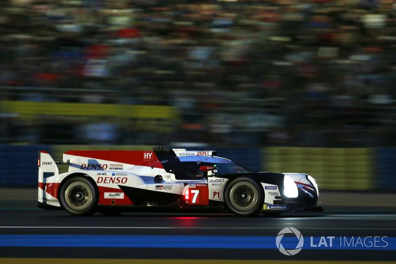 2: #7 Toyota Gazoo Racing Toyota TS050: Mike Conway, Kamui Kobayashi, Jose Maria Lopez, 3'17.377