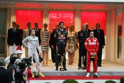 Podium: winnaar Mark Webber, Red Bull Racing, tweede Nico Rosberg, Mercedes AMG F1, derde Fernando A