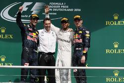 Даниэль Риккардо, Red Bull Racing, Льюис Хэмилтон, Mercedes AMG F1, Макс Ферстаппен, Red Bull Racing
