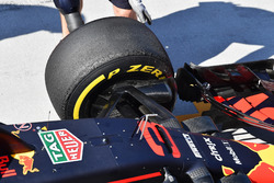 Red Bull Racing RB14 front Pirelli tyre