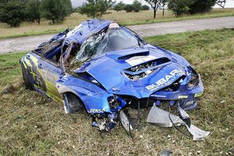 Petter Solberg, Phil Mills, Subaru Impreza, crashed car
