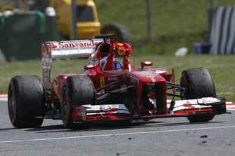 Race winner Fernando Alonso, Ferrari F138