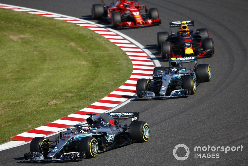 Lewis Hamilton, Mercedes AMG F1 W09, Valtteri Bottas, Mercedes AMG F1 W09, Sebastian Vettel, Ferrari SF71H