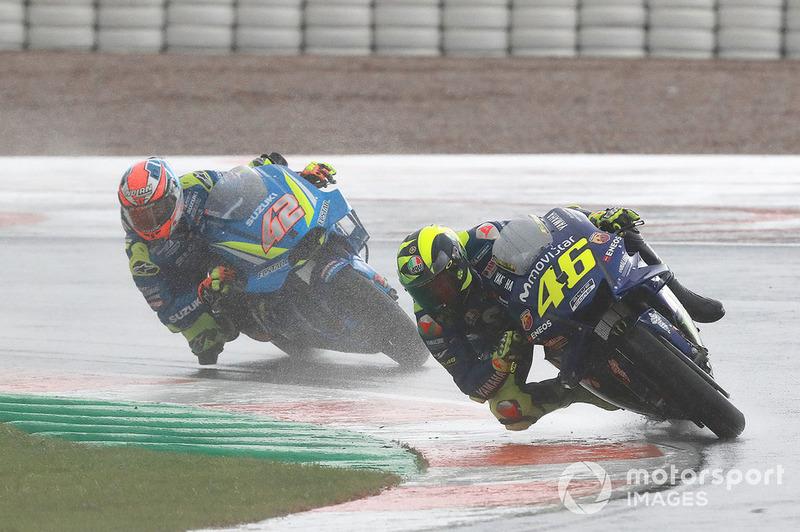 Валентино Россі, Yamaha Factory Racing, Алекс Рінс, Team Suzuki MotoGP