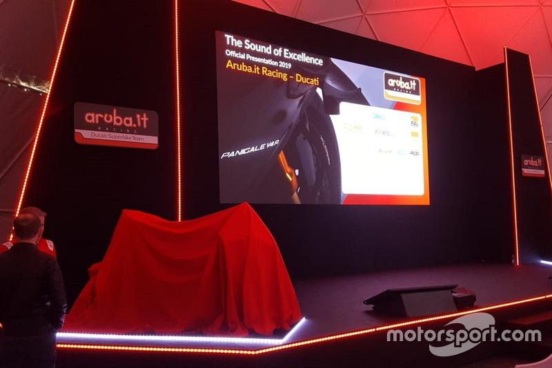 Il palco della presentazione del Team Aruba.it Racing-Ducati SBK