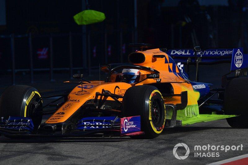 Carlos Sainz Jr., McLaren MCL34, avec de la peinture aéro