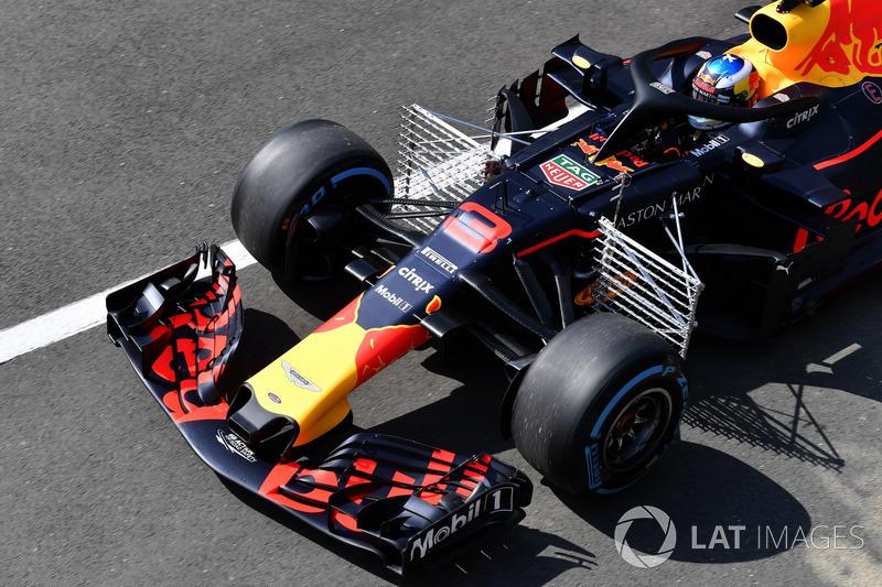 Des capteurs aérodynamiques sur la monoplace de Daniel Ricciardo, Red Bull Racing RB14