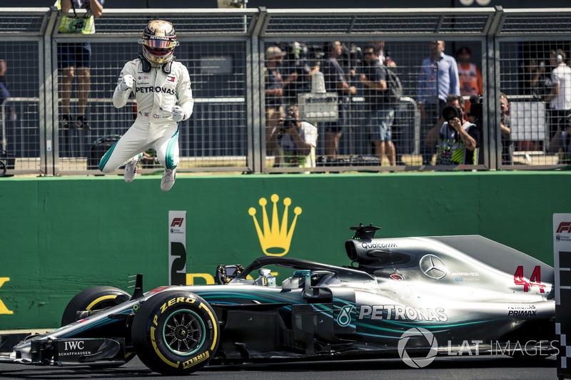 Em casa, Lewis Hamilton voou e cravou a pole position do GP da Grã-Bretanha