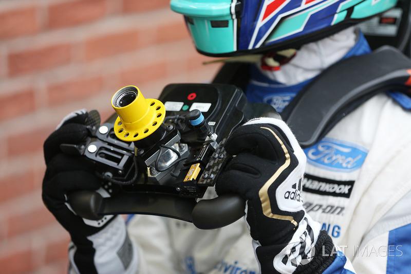 Billy Monger fait son retour en monoplace au volant d'une Carlin de British F3