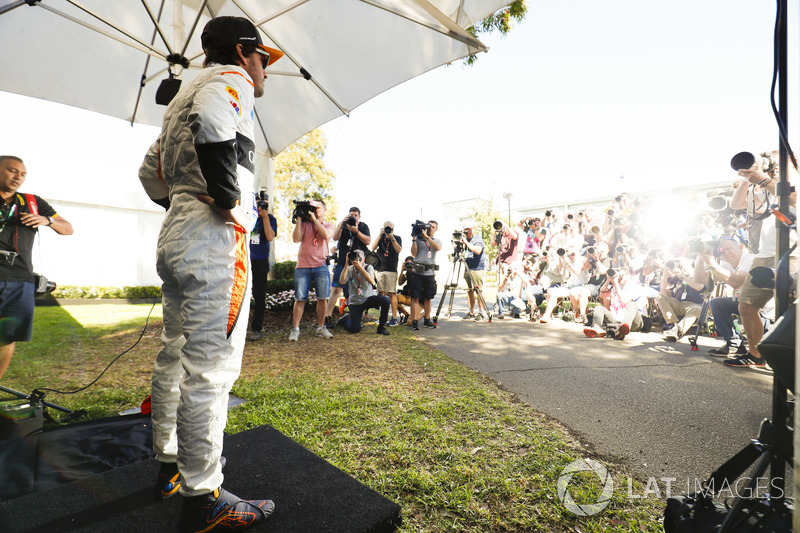 [Imagen: f1-australian-gp-2018-fernando-alonso-mclaren.jpg]