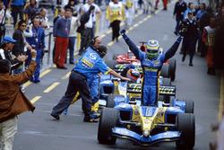 Race winner Giancarlo Fisichella, Renault F1 Team R25