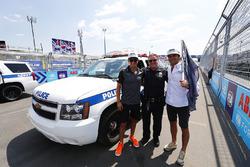 Mitch Evans, Jaguar Racing, Nelson Piquet Jr., Jaguar Racing, with New York City police