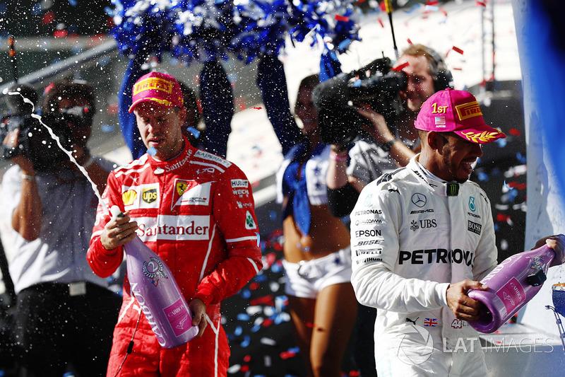 Podio: ganador de la carrera  Lewis Hamilton, Mercedes AMG F1, segundo lugar Sebastian Vettel, Ferrari