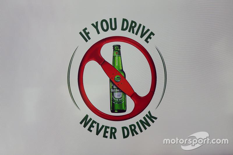 Anuncio de patrocinio Heineken F1 - banner anti-bebida para conducir