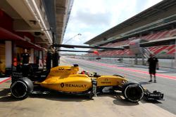 Эстебан Окон, третий пилот Renault Sport F1 Team