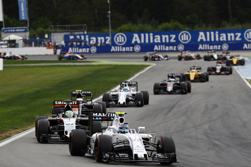 Valtteri Bottas, Williams FW38 leads Nico Hulkenberg, Sahara Force India F1 VJM09