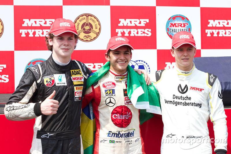 Sieger Rennen 1 Pietro Fittipaldi, Platz 2 Harrison Newey, Platz 3 Mick Schumacher